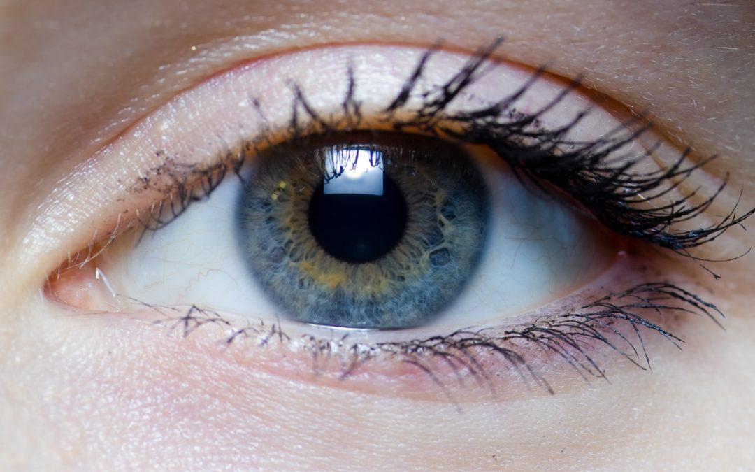 Iris_-_right_eye_of_a_girl-1080x675